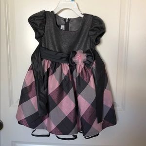 Girl's dress (size 2T)